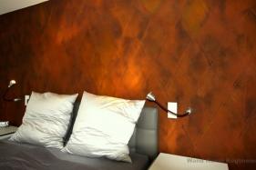 Metalloptik im Schlafzimmer