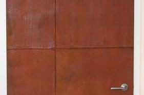 Tür gestaltet in Rostoptik